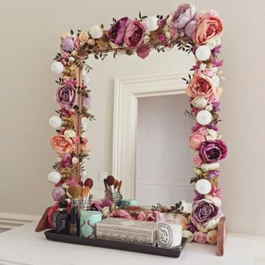 flower makeup mirror More: