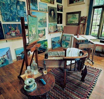 Winston Churchill's painting studio at Chartwell (Great Design - 1940s : Architectural Digest):