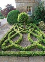 boxwood knot Garden, just beautiful: