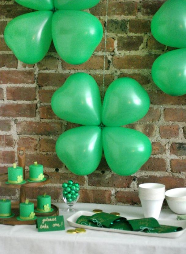 Shamrock Balloons: