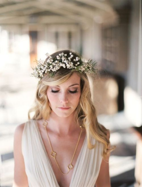 Flower Crown DIY Babys Breath Flower Crown Gold Necklace Draped Wedding Dress Beautiful Bride