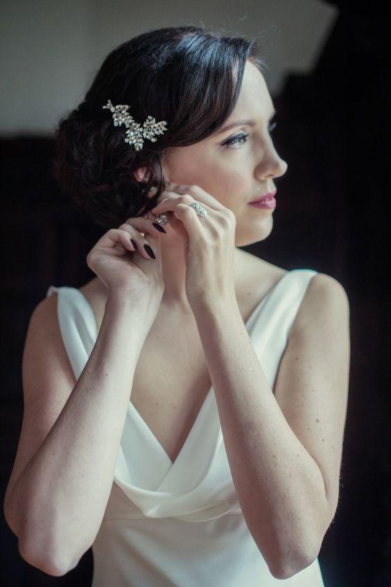 Vintage short bridal hair