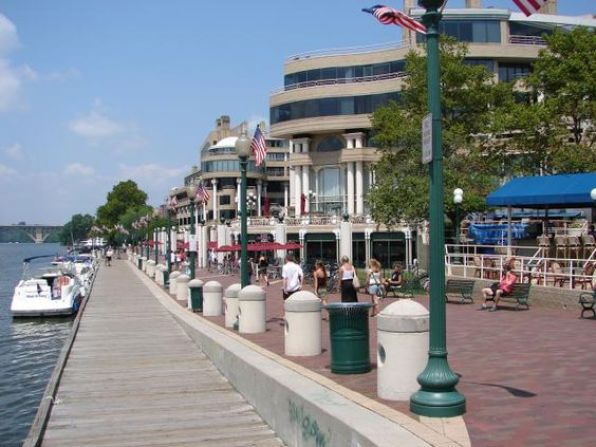 Washington Harbour along the Georgetown waterfront features luxury condominiums, office space, a public boardwalk, restaurants and an ice skating rink