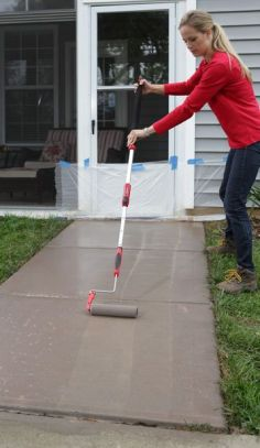 This guide teaches you how to transform your concrete sidewalks and make them look like stone.: