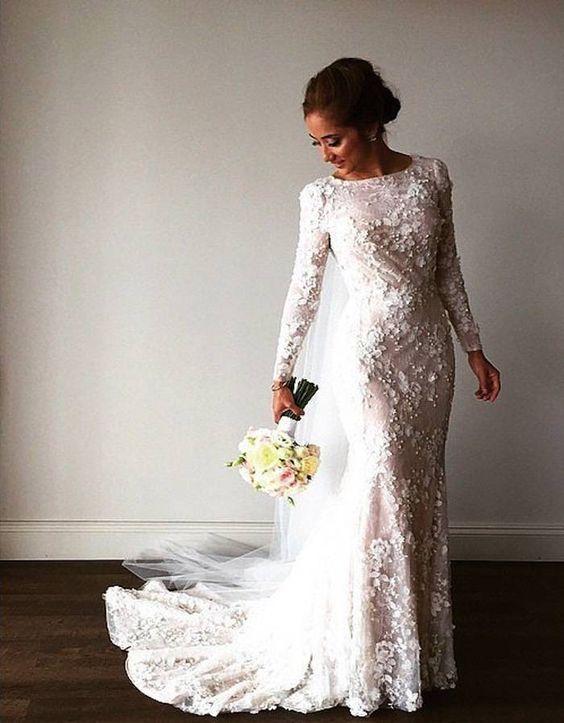 Wedding Dress: GEORGE WU;