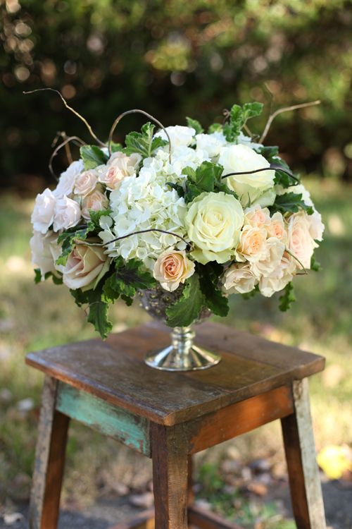 Low Centerpieces Curly Willow And White Hydrangeas On
