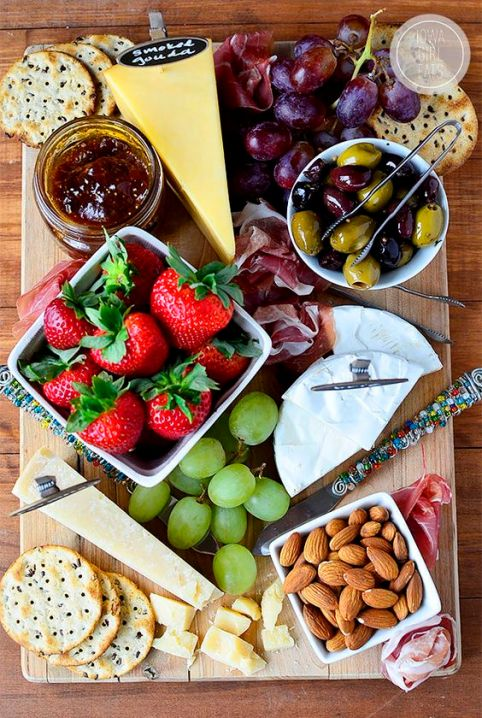 My tips and tricks for how to make a great cheese platter for entertaining. Perfect for the holidays! #entertaining #glutenfree| iowagirleats.com: