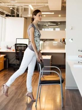 7 Ways To Work Out At Your Desk — Without Alerting HR!:
