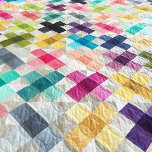 Criss Cross Applesauce Quilt using V and Co.Ombre Gradient fabrics with Moda Fabric