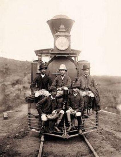 Locomotiva na estrada de ferro Rio-Minas, em 1880. Marc Ferrez: