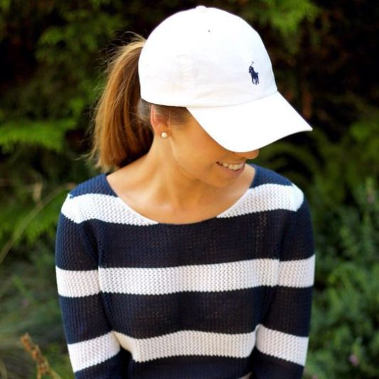 Navy and white is perfect for a preppy outfit!