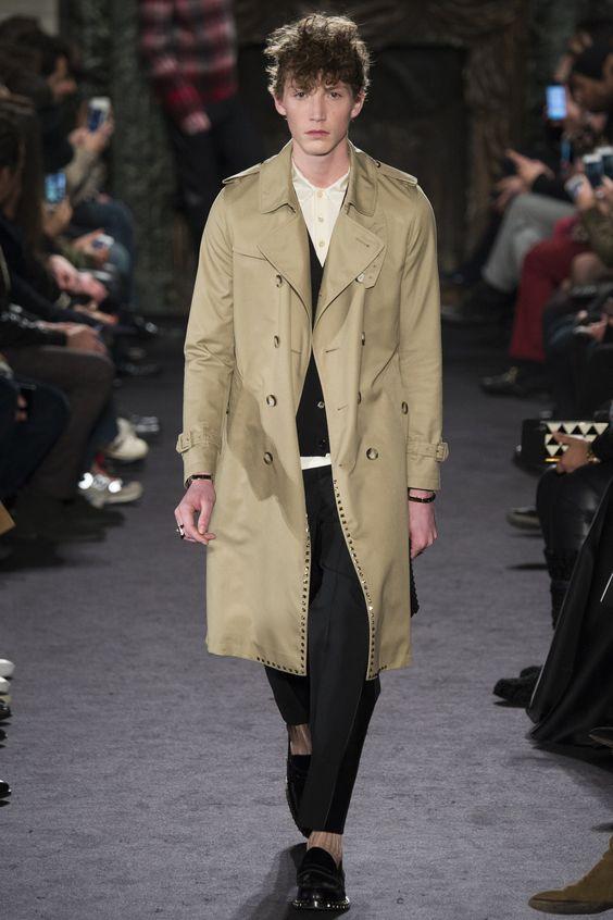 Valentino Fall 2016 Menswear Fashion Show: