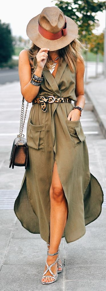 Solid Color Turn-Down Collar Sleeveless Trench: