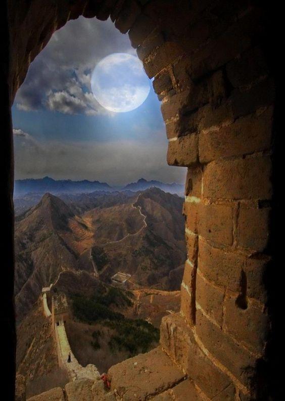 c0f35105df92f00f91a192d3ea0a49be jpg 711 1 000 pixels on the great wall of china id=23916