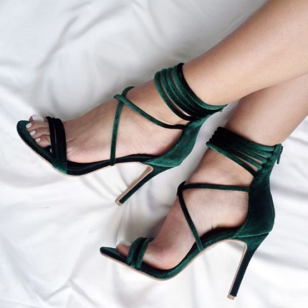 Love these green high heels love them looks sooo beautiful and amazing my favourite.: