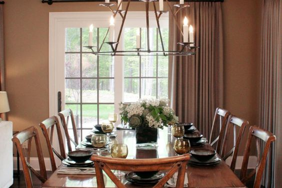 Rustic And Chic Dining Room With Unique #chandelier