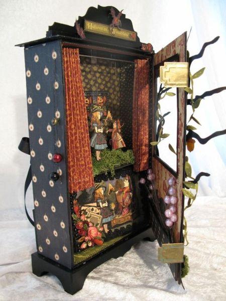 Graphic 45 Halloween ( Alice) in Wonderland puppet theater and mini album: