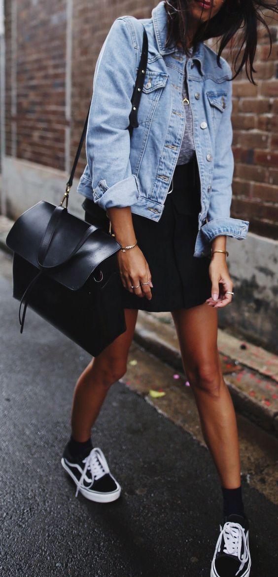 keep it casually: denim jacket + converse + black details
