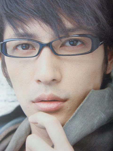 Hiroshi Tamaki with megane: