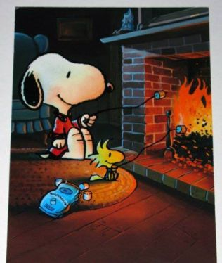 Snoopy and Woodstock roasting marshmallows: