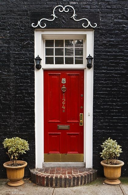 I would love to have a house with a red door.: