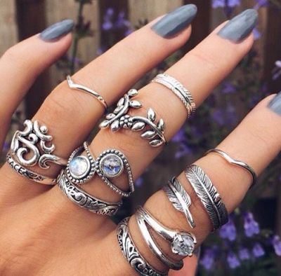Layering rings and accessories are easy tips to add some edginess to your outfits!
