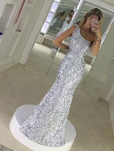Silver sparkles are perfect for mermaid prom dresses!