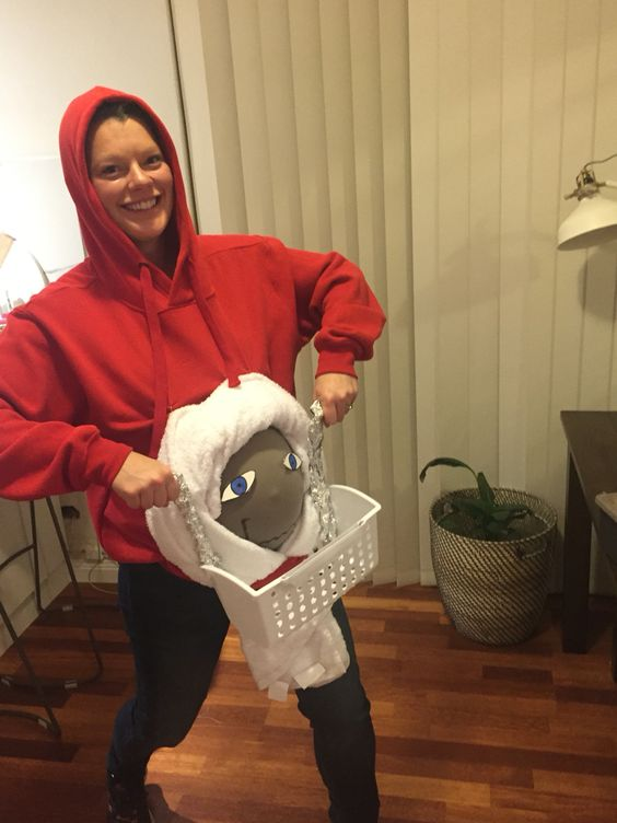 Halloween Pregnancy Costume #6: E.T.