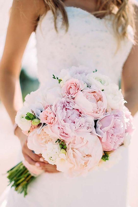 18 pink wedding bouquets to fall in love with 7: