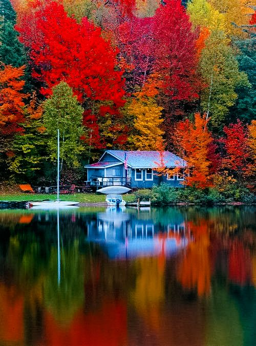 autumn lake cottage stunning fall colors beautiful on lake cottage colors id=42107