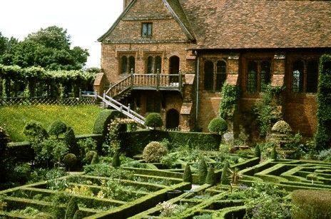 Elizabethan Gardens web.jpg (464×307):