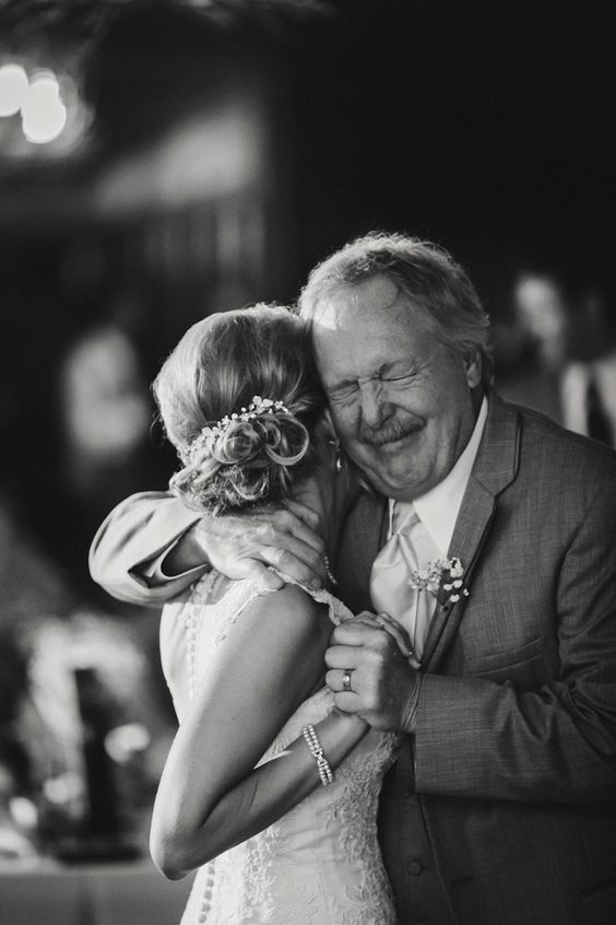 Absolutely heartwarming photos of brides and their fathers on the wedding day! | JoPhoto: