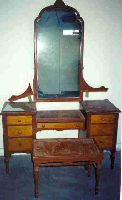 1920s Antique Bedroom Furniture Collectibles General