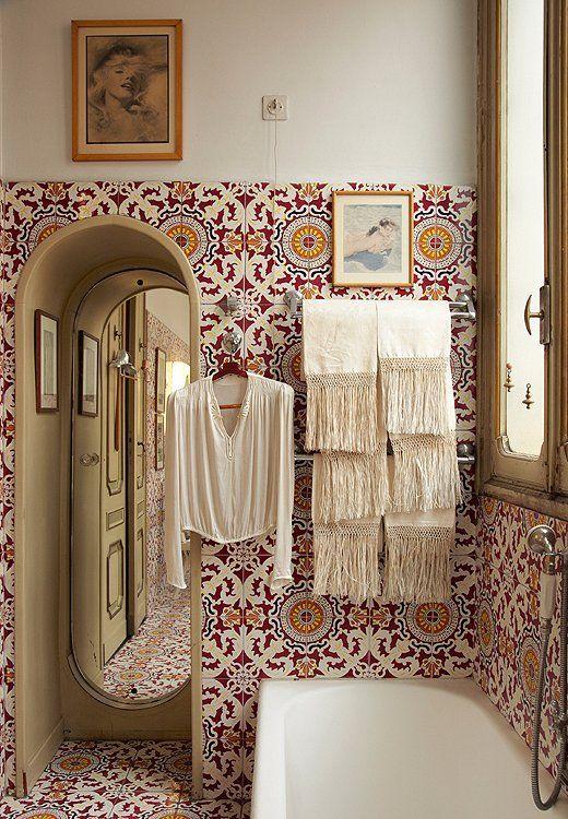 Bold morrocan bathroom tiles   Image via onekingslane.com: