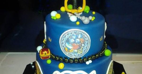 Kingdom Hearts Cake Omfg I Need This For My Bday Nerd Stuff Pinterest Discover Best