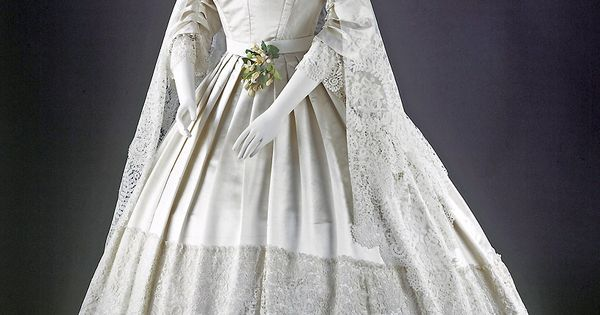 Find The Best Wedding Gown Preservation By Learning How