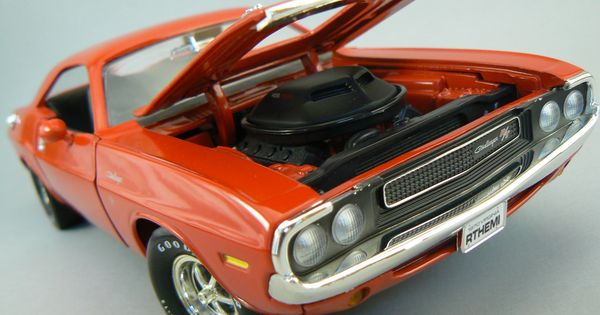 Red 1970 Dodge Challenger RT 118 Scale Diecast By ERTL