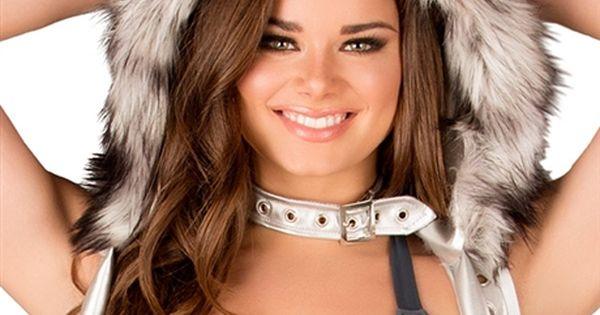 Wolf Hood Brunette Models Fake Fur And Wolf