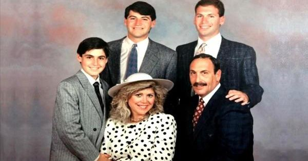 The Real Goldberg Family The Real Life Goldbergs Beverly And Murray With Their Three Sons Adam