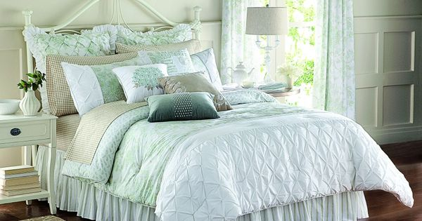 Mary Janes Home Floral Dream Comforter Set Herbergers