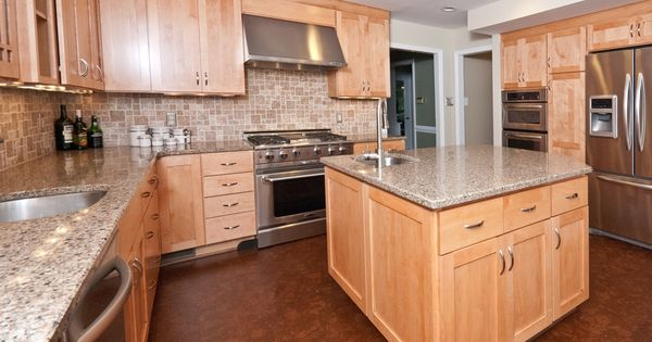Under cabinet range hood, natural maple Shaker style ... on What Color Countertops Go With Maple Cabinets  id=80048