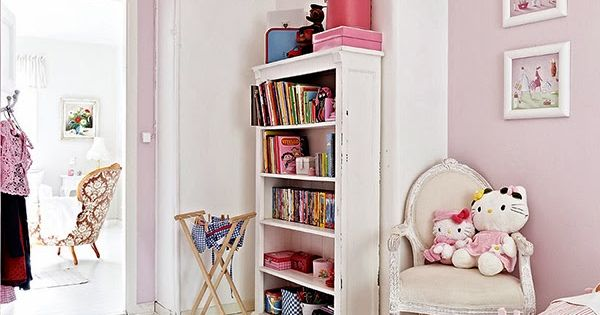 Pretty Pink Girls Room - Bookcase