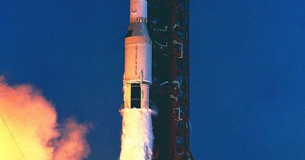 Saturn V lift off | Space: Apollo | Pinterest | Buzz ...