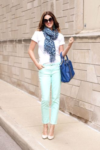 Adorable, especially the rolled-up sleeves on the tee.  Via:  What I Wore: Cobalt and Mint, Jessica Quirk, whatiwore.tumblr.com/