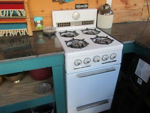 Antique 20 Quot Hardwick Gas Stove White With 4 Burners