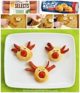 Reindeer Hot Dogs for a fun & easy Christmas lunch! These cute hot dogs take just minutes to make using Pillsbury Crescent Rounds & Hot Dogs: