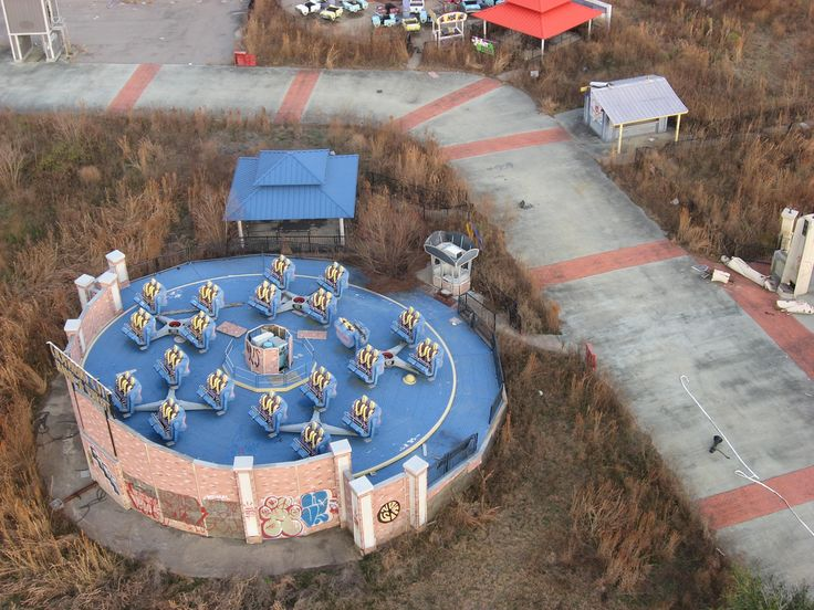 6 Flags New Orleans Could Be Catwomans Whip Abandoned