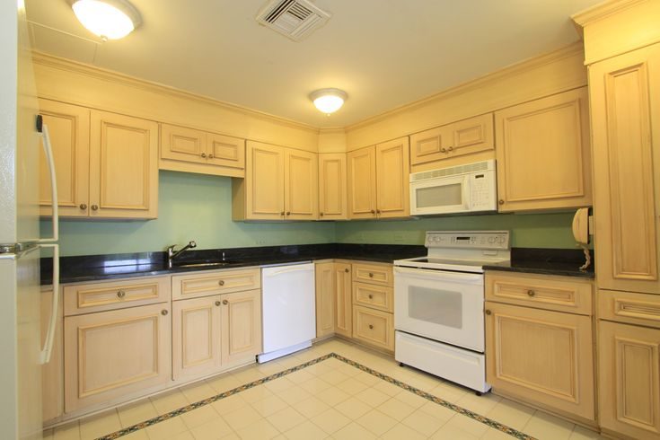 17 Best Images About Maple Cabinets White Appliances On