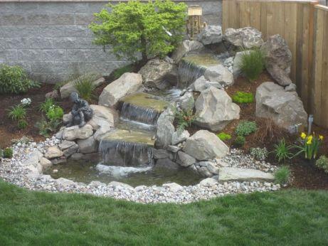 15 idee per realizzare laghetti fontane e giardini for Cascate in giardino