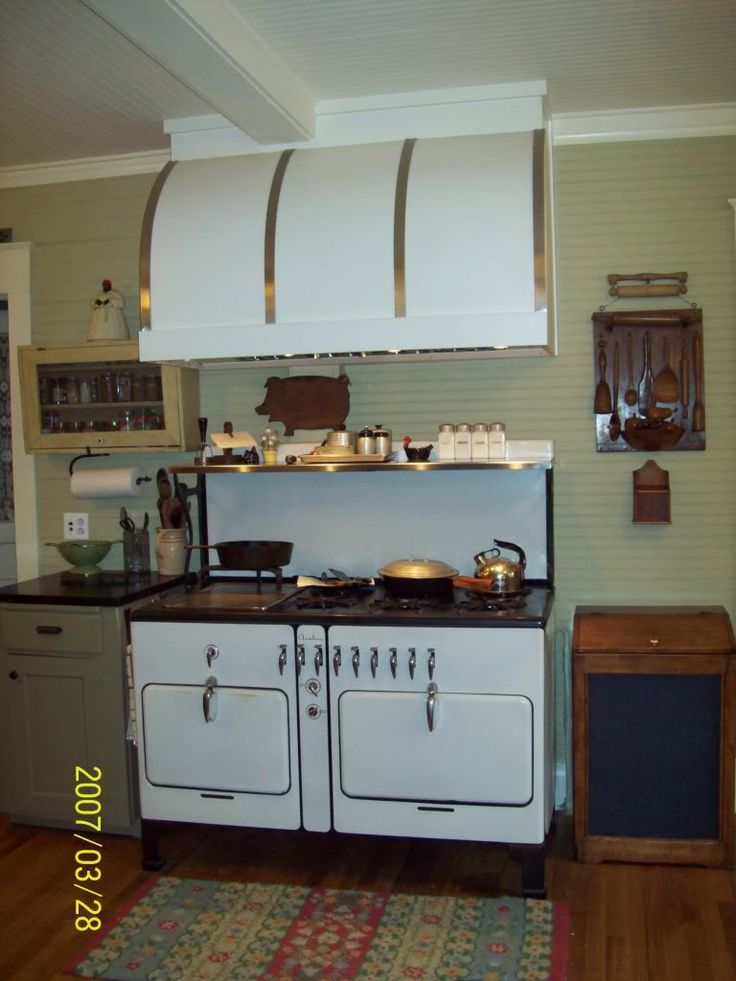 Vintage Range Hood For Sale When I First Saw The Barrel Hood By Modernaire I Knew It Was The